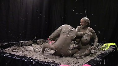 GLAM Mud Wrestling Art of the Bodyslam